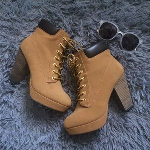 Shoes - High Heel Boots/Booties